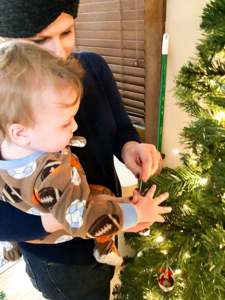 Easy and fun tips to celebrate the holiday season without spending a lot of money. Cultivating a giving mindset during the holidays with kids.